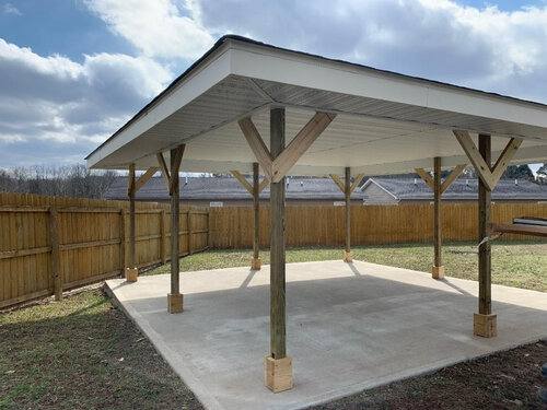 AMFM outdoor shelter